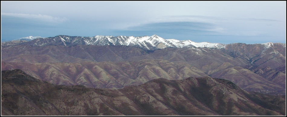 Uintah Mountains east of Wasatch Mountain Range