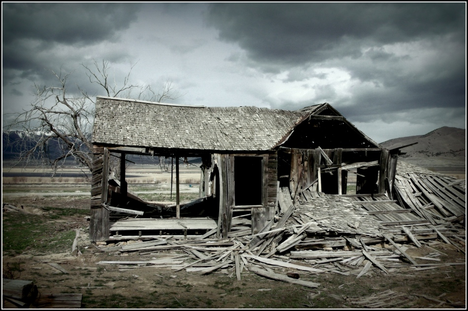 Derelict pioneer house, Rush Lake, Utah
