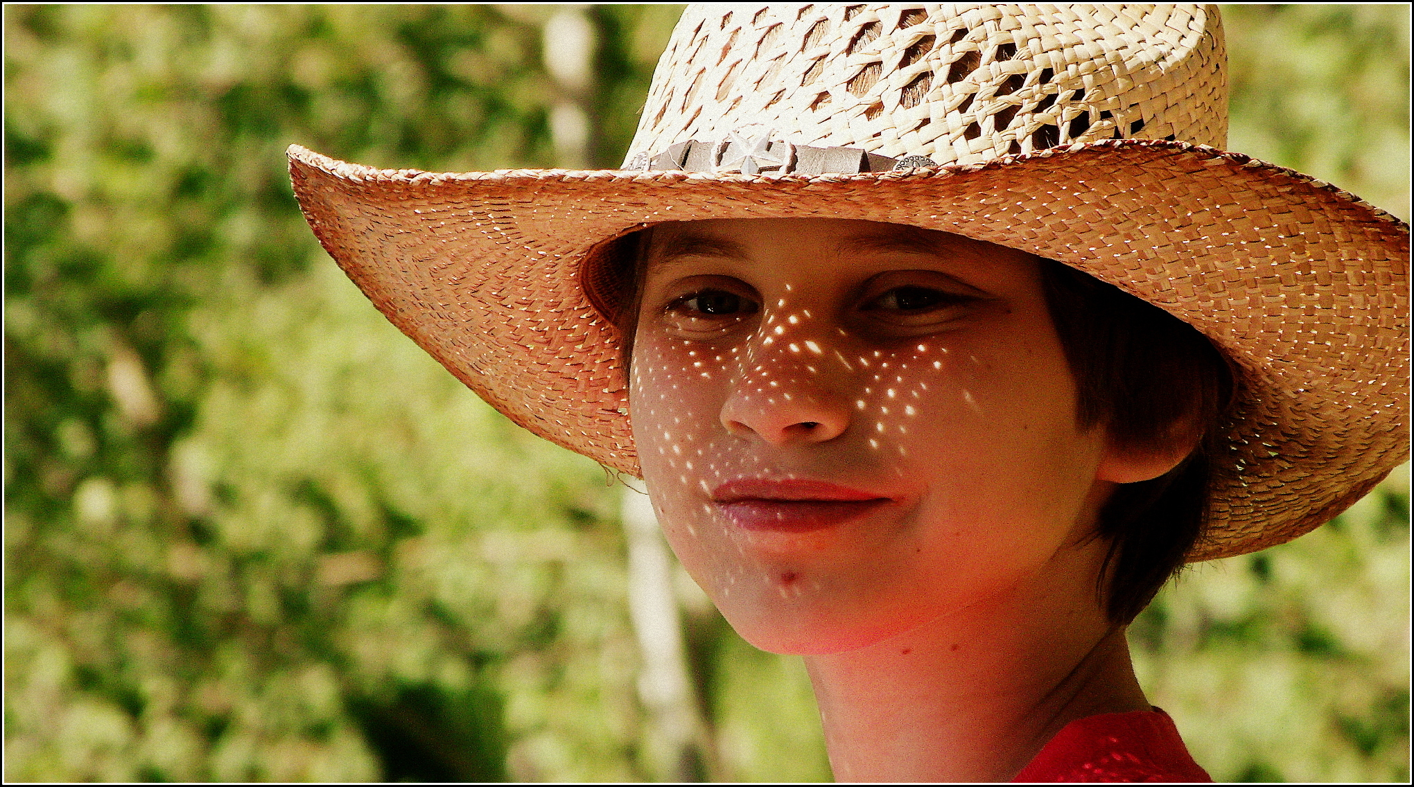 Little One in straw hat