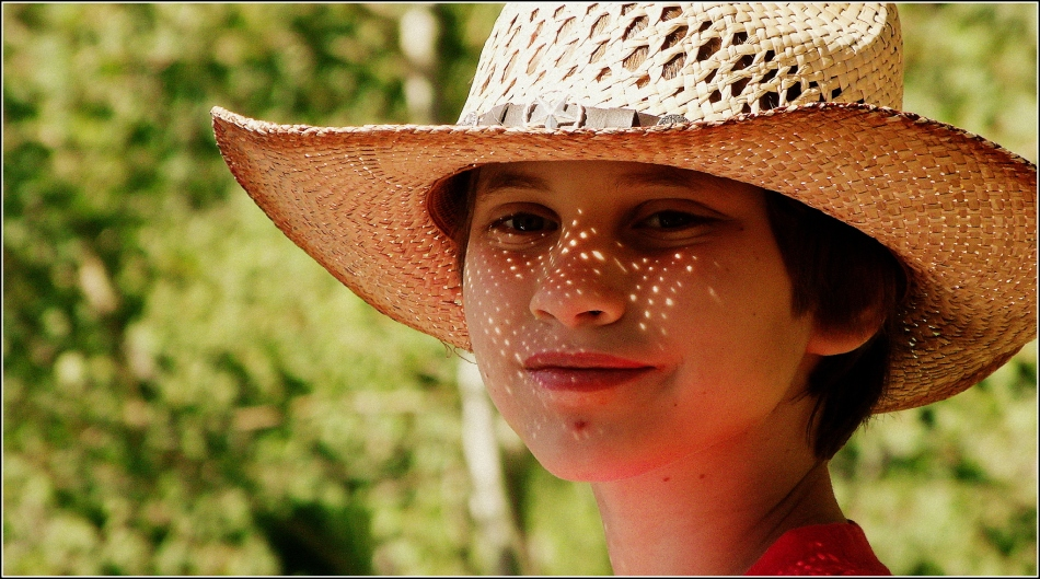 Little One in straw hat