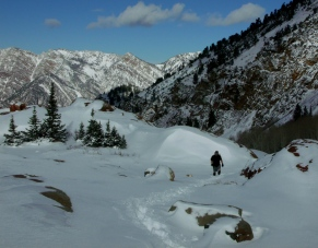 Climbing through the snow to Lake Blanche
