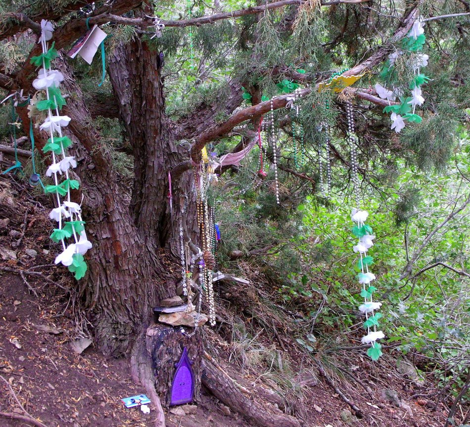 Desolation Trail shrine 1