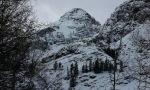 Dromedary Peak rising
