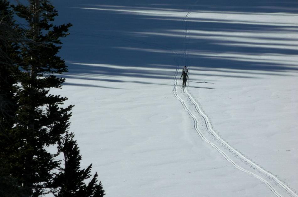 Skiers crossing Red Pine Lake