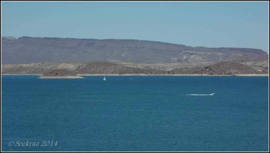 Speedboat on Lake Pleasant