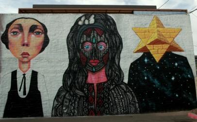 principio mural de las cabezas curiosas