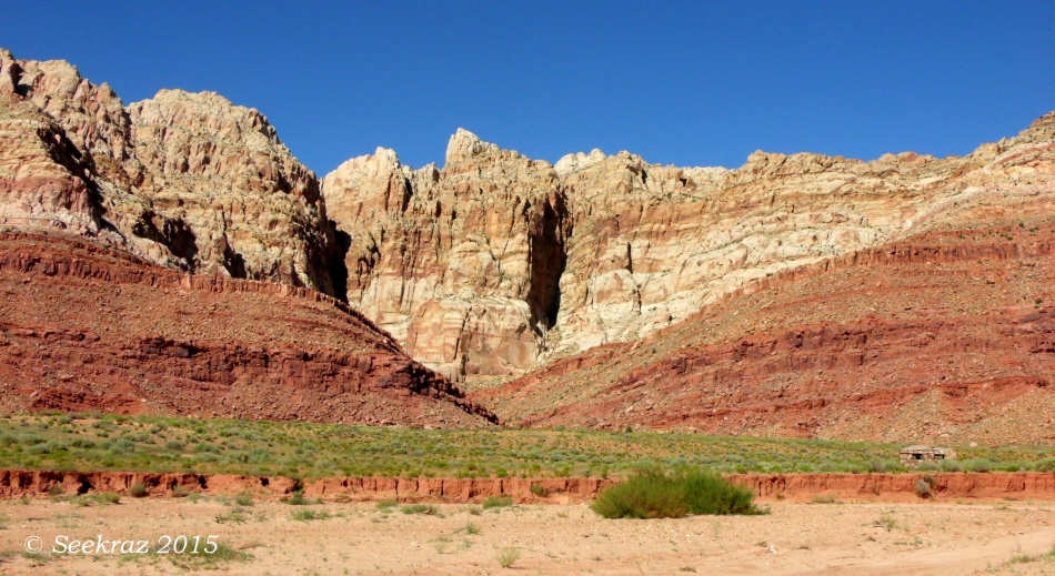 Navajo hogan and Echo Cliffs